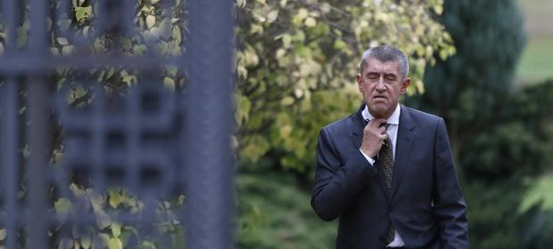 Opozycja grzmi, ale notowania premiera Babisa są wysokie.