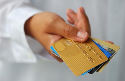 Po co studentowi karta kredytowa?