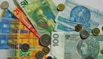 Rekordowo słaby złoty. Rata kredytu we frankach wzrosła o blisko 500 zł