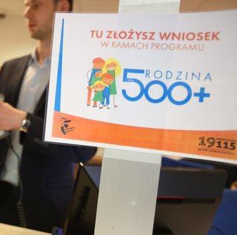 Zamiast pracy wolą 500+. Po wprowadzeniu programu 100 tysięcy kobiet zrezygnowało z zatrudnienia