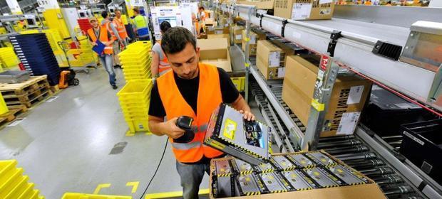 Amazon podnosi płace pracownikom
