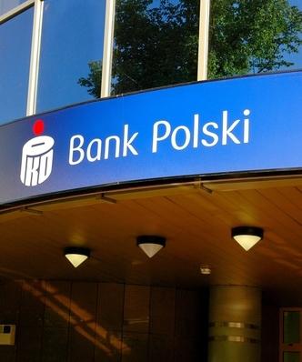 Wyłudzili z PKO BP 10 mln zł. 16 osób zatrzymanych