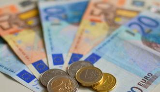 Polacy przez Internet wymieniają miliardy euro. Większość nie ma pojęcia o zagrożeniach