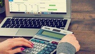 Podatki w jednoosobowej firmie. Samozatrudniony może wybrać między czterema sposobami rozliczeń