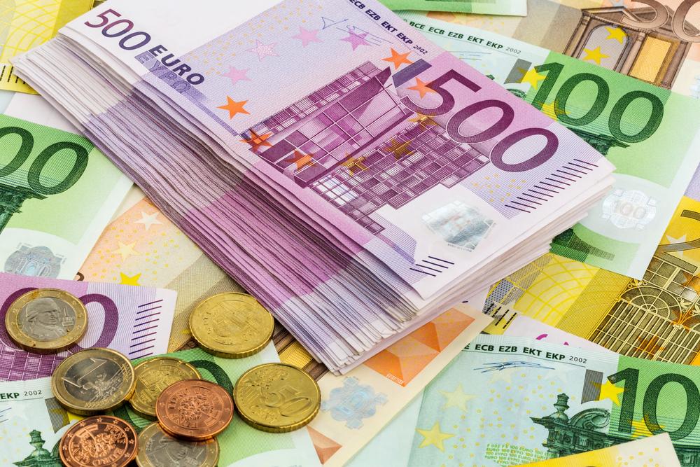 Przedsiębiorcy za eurowalutą, czas na konsumentów i pracowników