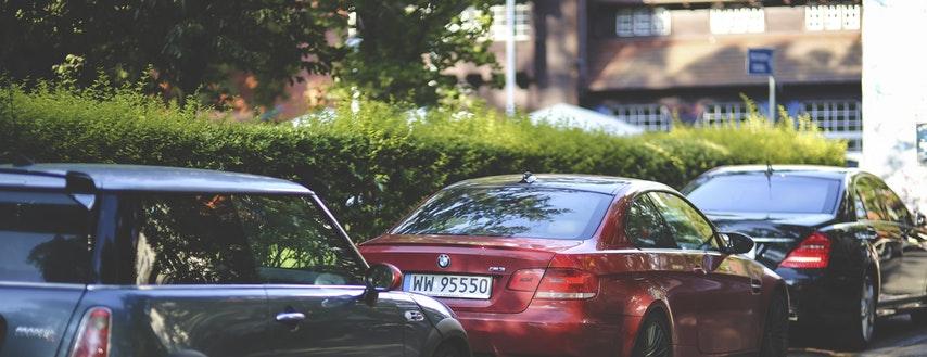 Wynajem samochodu – mobilność dla firmy