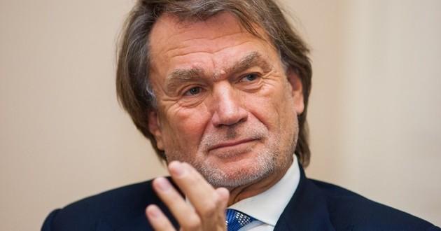 Za życia Jan Kulczyk królował wśród rankingów najbogatszych Polaków. Ale w zestawieniu dotyczącym stulecia nie zajął pierwszego miejsca