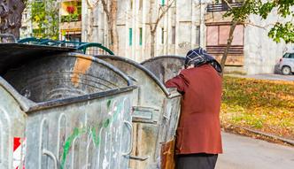 Ubóstwo w Polsce ma twarz starca. Co czwarty 50-latek żyje w nędzy