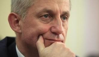 Poważne oskarżenia pod adresem Morawieckiego. Kierowany przez niego bank pośredniczył w próbie przejęcia polskiej spółki przez Rosjan?