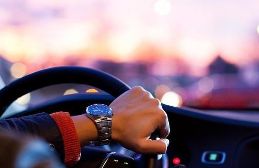 Jak ekonomicznie jeździć samochodem?