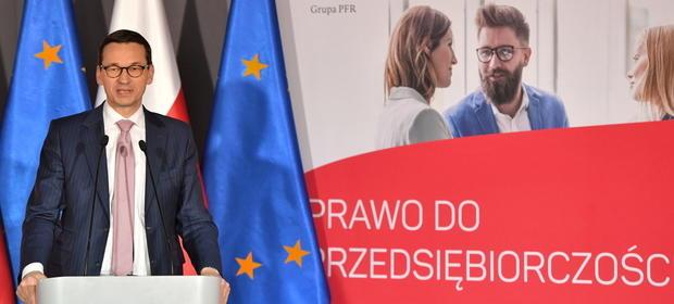 """Premier Mateusz Morawiecki podczas spotkania z ekspertami """"Prawo do przedsiębiorczości. Małe firmy - wielkie zmiany"""""""