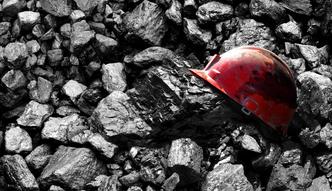 """Może zabraknąć nam węgla, a rząd chce dalej w niego inwestować. """"To czarowanie rzeczywistości"""""""