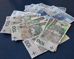 Wypłacasz pensje w gotówce? Licz się z wysoką prowizją w banku