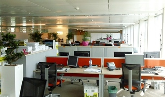 W pomieszczeniach open space spada efektywność pracowników. Są badania