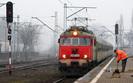 Koleje w Polsce. Komisja zbada, jak dwa pociągi znalazły się na jednym torze
