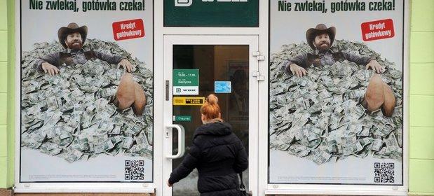 Polacy chętnie korzystają z kredytów konsumpcyjnych.