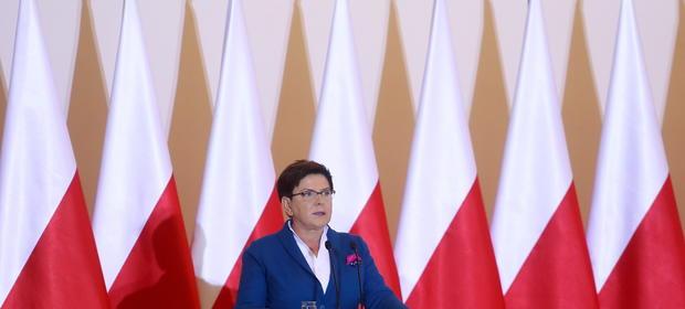 Przed planowaną rekonstrukcją rzadu Beata Szydło chce osłabić Matuesza Morawieckiego