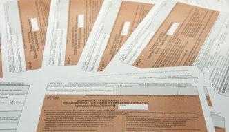 Urząd skarbowy wypełni PIT za podatnika. Wystarczy złożyć wniosek PIT-WZ. Jak to zrobić?
