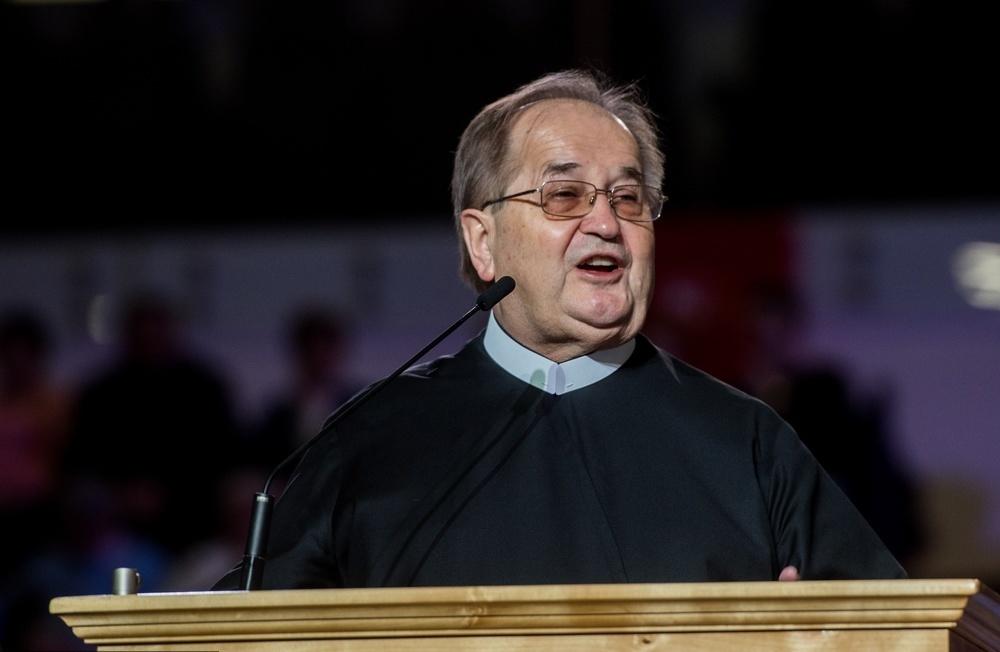 Dotacja Ministerstwa Kultury dla fundacji o. Rydzyka. Amatorskie nagrania wyceniono na 67 mln zł