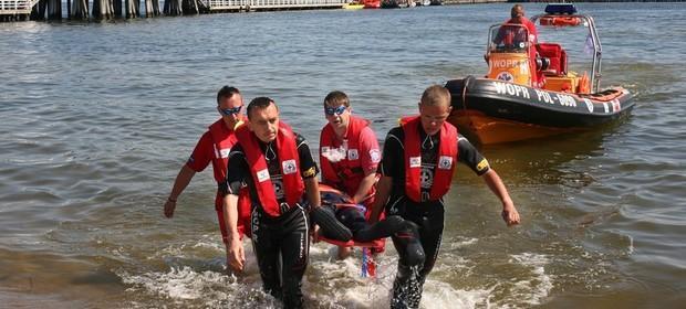 Morska Służba Poszukiwania i Ratownictwa szuka chętnego do służby. Płaci mniej niż markety kasjerom.