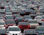 Kupujemy więcej nowych Mercedesów niż Fiatów. Skąd mamy na to pieniądze?