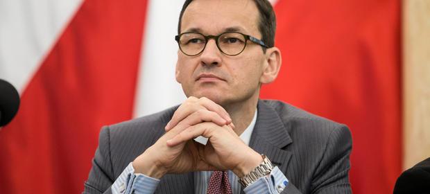 """Mateusz Morawiecki chce zatrzymać falę """"młodszych"""" emerytów i zachęcić ich do pracy. Wraca do pomysłu sprzed roku"""