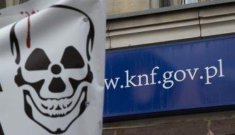 KNF ostrzega. Dwie częstochowskie firmy trafiły na czarną listę