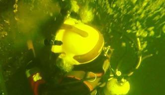 30 zł miesięcznie za szukanie zwłok w lodowatej wodzie. Strażacy opowiadają o swojej pracy