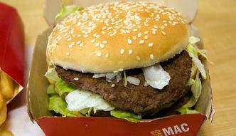 Sprawdzamy, skąd pochodzi mięso w Big Macach i kurczaki w kubełkach KFC