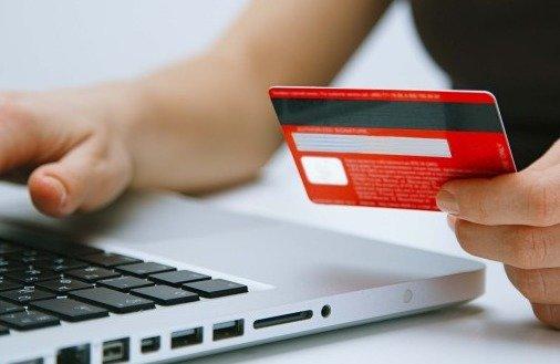 Dlaczego warto płacić kartą kredytową? - 6 powodów