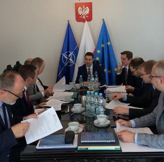 PiS zmusi Gronkiewicz-Walz do stawienia się przed komisją? Jest projekt ustawy