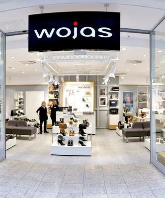 Wojas chce zmniejszyć sieć salonów. Najdłuższa seria strat w historii
