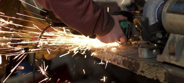 Wskaźnik koniuktury spadł m.in. w najważniejszym dla gospodarki sektorze przetwórstwa przemysłowego