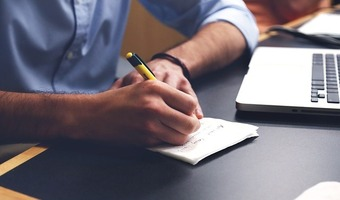 Praca dla księgowej w Kielcach — gdzie jej szukać i ile można zarobić?