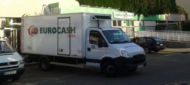 Eurocash przejmuje sklepy na własność, ale to kosztuje. Trzeci kwartał dał o połowę mniejsze zyski niż rok temu